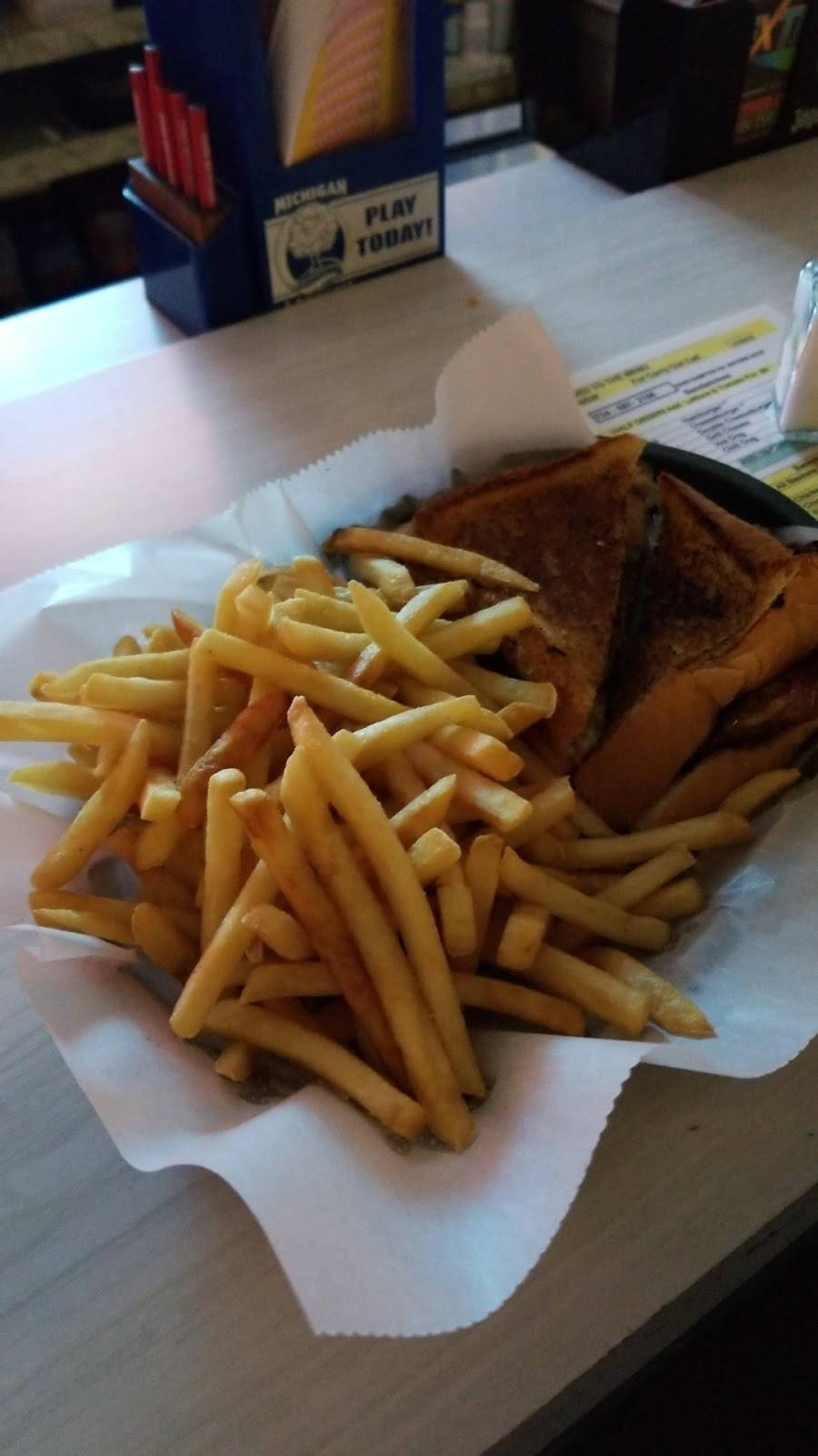 Silver Star Bar | restaurant | 10400 Sumpter Rd, Maybee, MI 48159, USA | 7345873156 OR +1 734-587-3156