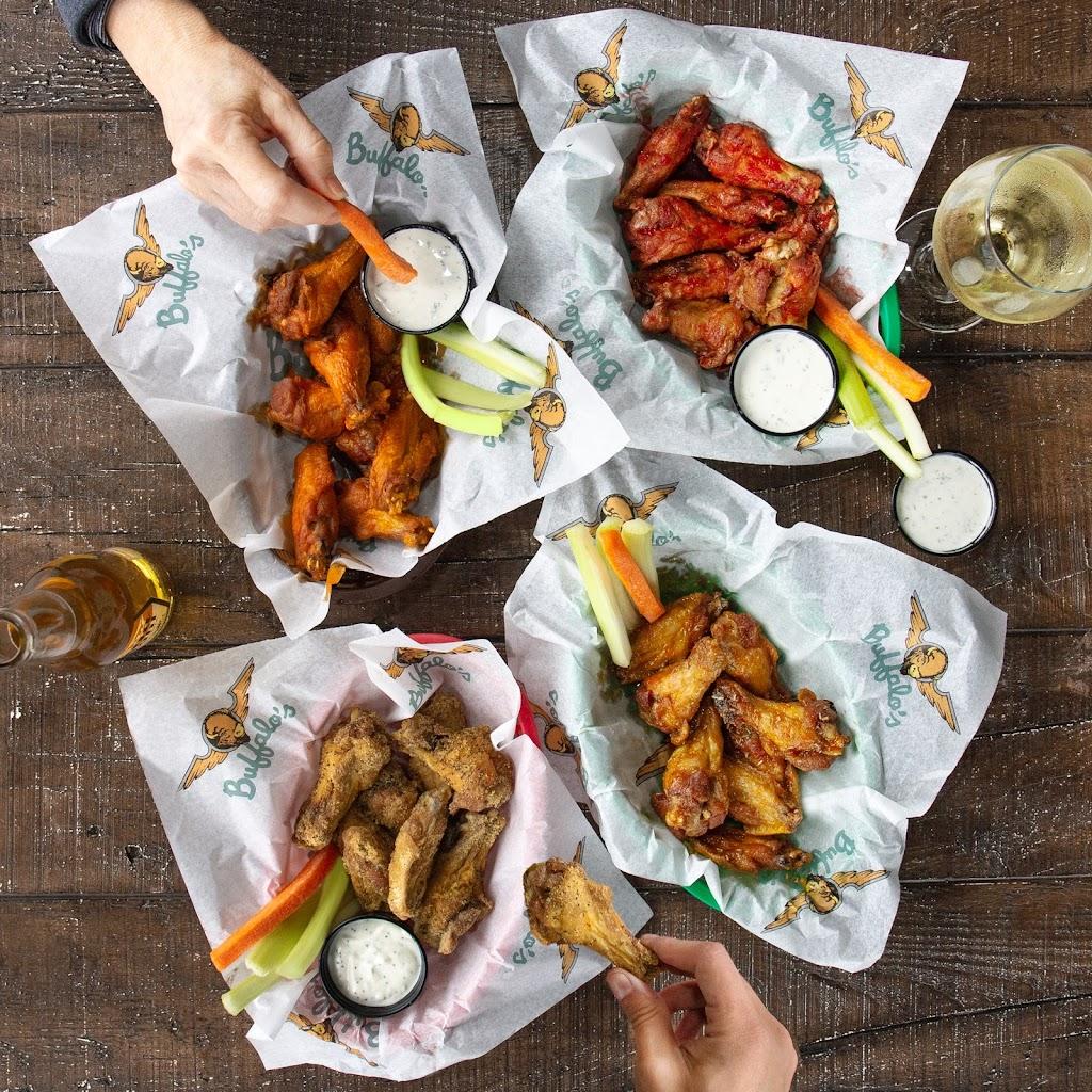Buffalos | restaurant | 6854 Eastchase Pkwy, Montgomery, AL 36117, USA | 3342394444 OR +1 334-239-4444