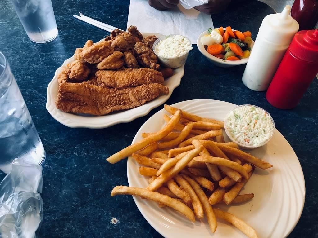 Harbor Inn Seafood Asheville | restaurant | 880 Brevard Rd, Asheville, NC 28806, USA | 8286659940 OR +1 828-665-9940