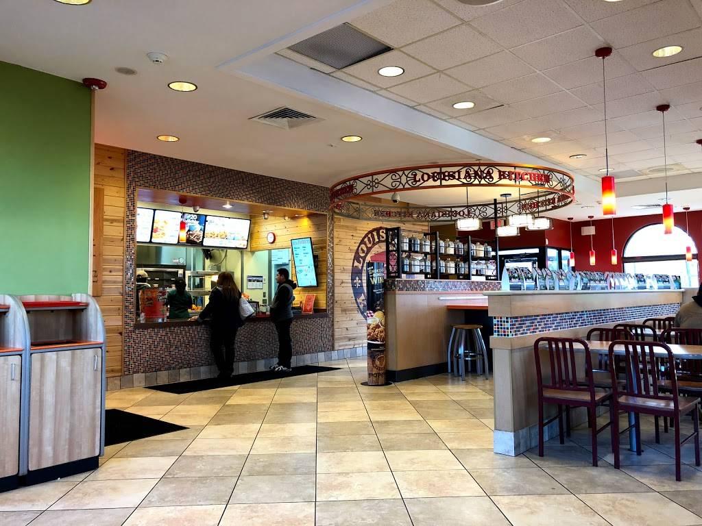 Popeyes Louisiana Kitchen   restaurant   146 US-46, Little Ferry, NJ 07643, USA   2014403003 OR +1 201-440-3003