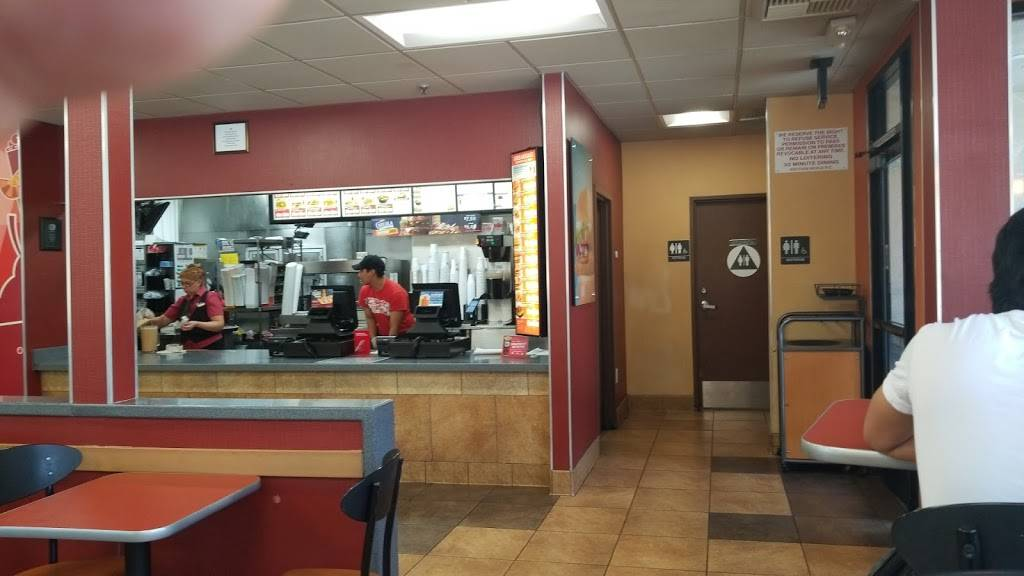 Jack in the Box | restaurant | 465 S Fairfax Ave, Los Angeles, CA 90036, USA | 3239367709 OR +1 323-936-7709
