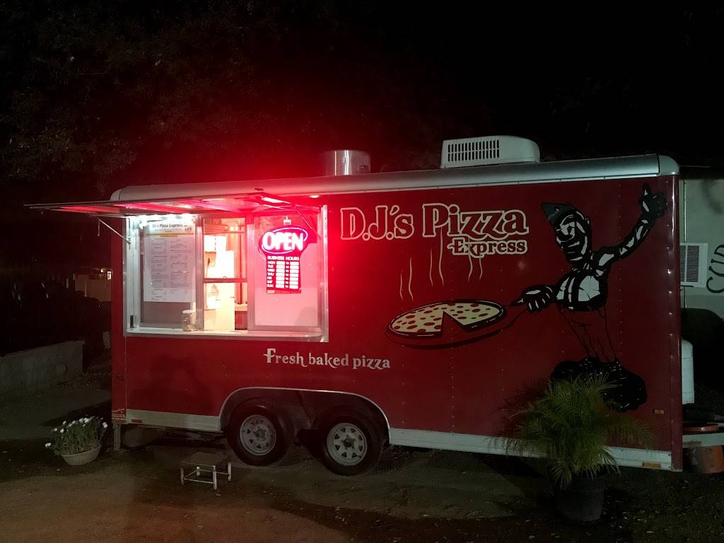 DJs Pizza Express | restaurant | Pala, CA 92059, USA | 7609751605 OR +1 760-975-1605