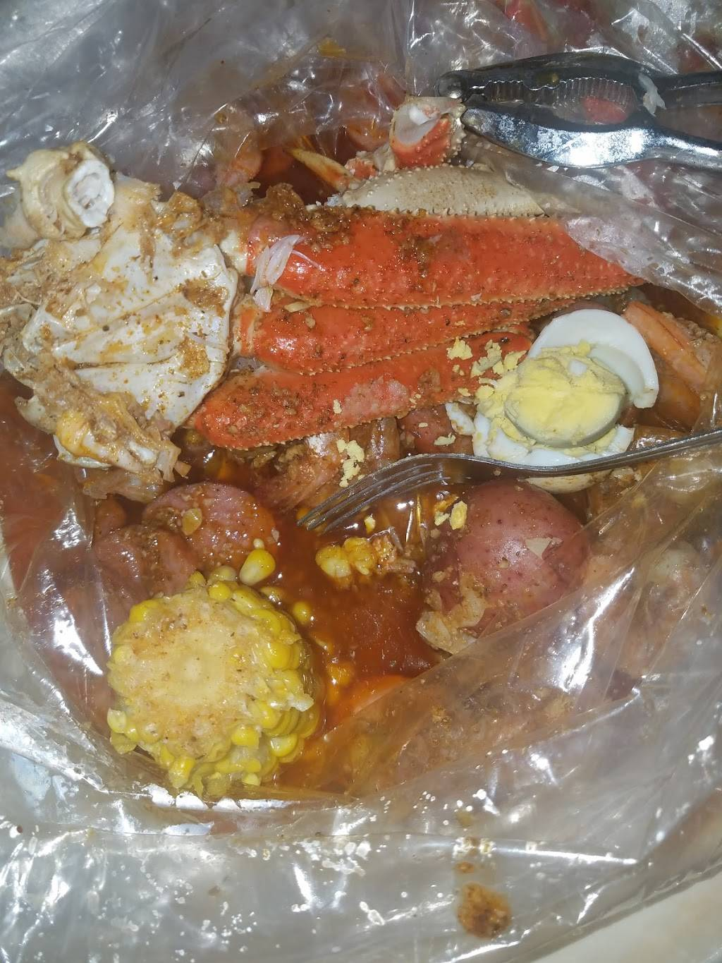 Pier 11 Boiling Seafood & Bar | restaurant | Whitehall, OH 43213, USA | 6148171007 OR +1 614-817-1007