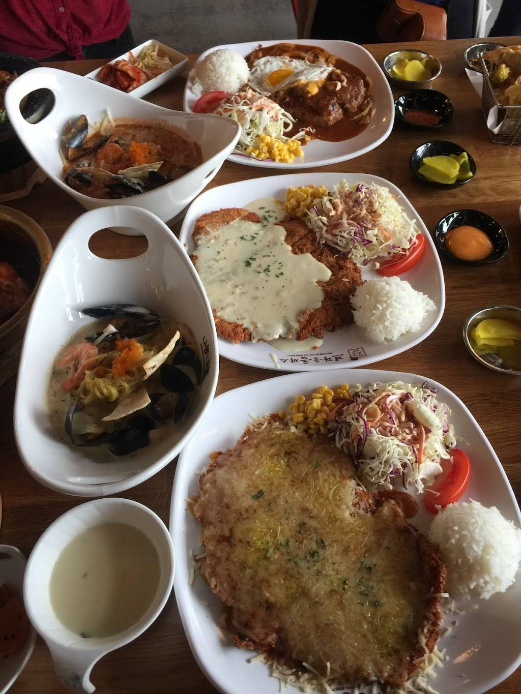 Nipong Naepong   restaurant   450 S Western Ave 3rd floor, Los Angeles, CA 90020, USA   2134877000 OR +1 213-487-7000