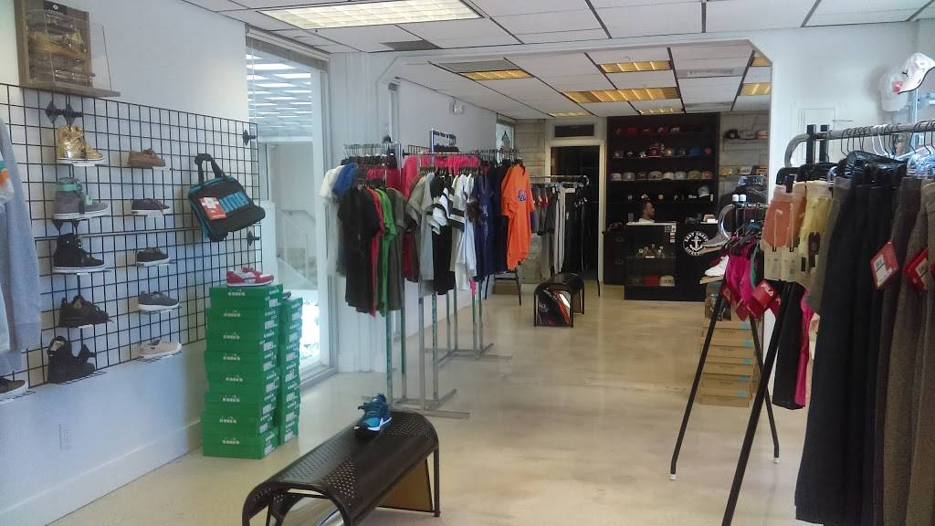 The Galleria of Pierce Harbor | shopping mall | 100 S 2nd St, Fort Pierce, FL 34950, USA | 7728015729 OR +1 772-801-5729