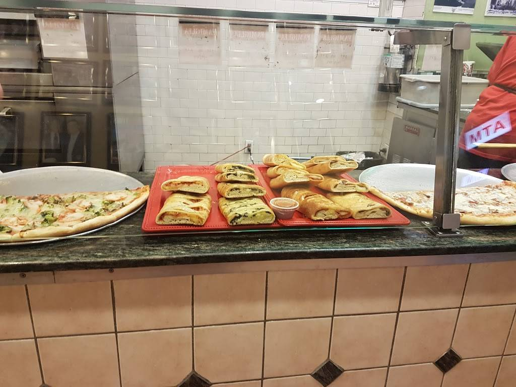 Famous Famiglia Pizza   meal delivery   686 8th Ave, New York, NY 10036, USA   2123823030 OR +1 212-382-3030