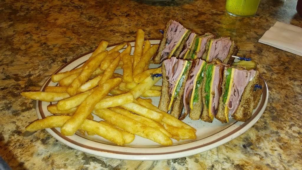 Breakwater Restaurant | restaurant | 4927 E 2nd St, Superior, WI 54880, USA | 7153987111 OR +1 715-398-7111
