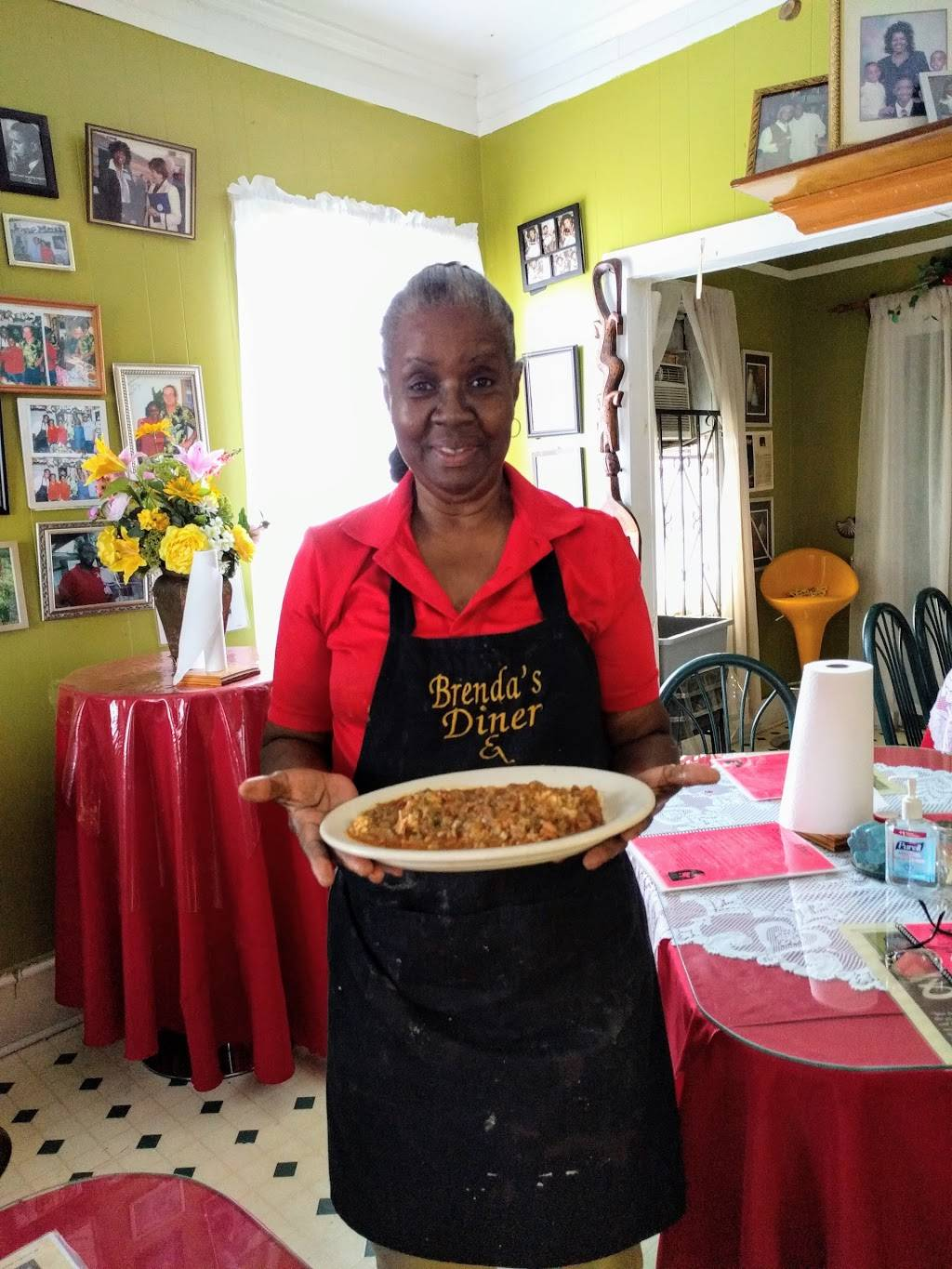 Brendas Dine In & Take Out   meal takeaway   411 W Pershing St, New Iberia, LA 70560, USA   3373670868 OR +1 337-367-0868