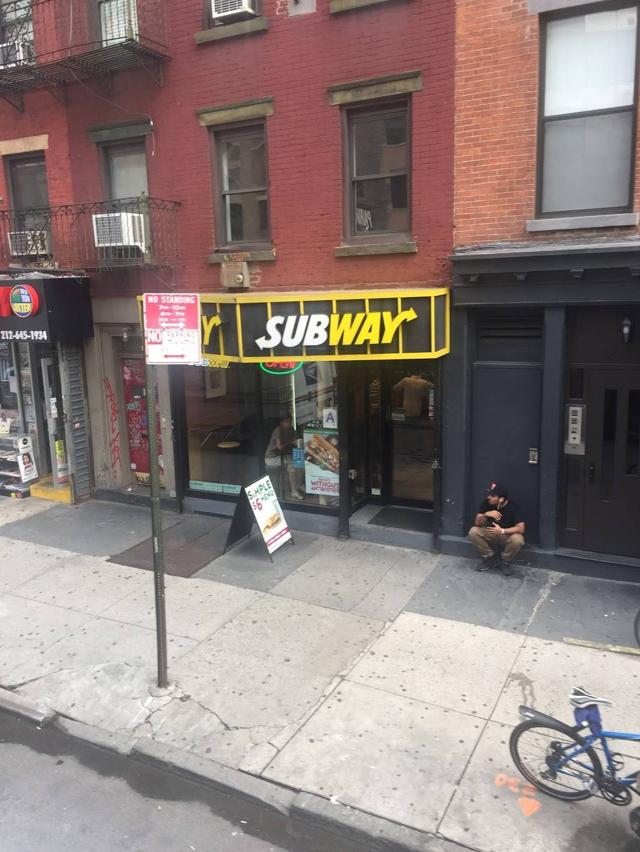 Subway Restaurants | restaurant | 250 10th Ave, New York, NY 10001, USA | 2126755925 OR +1 212-675-5925