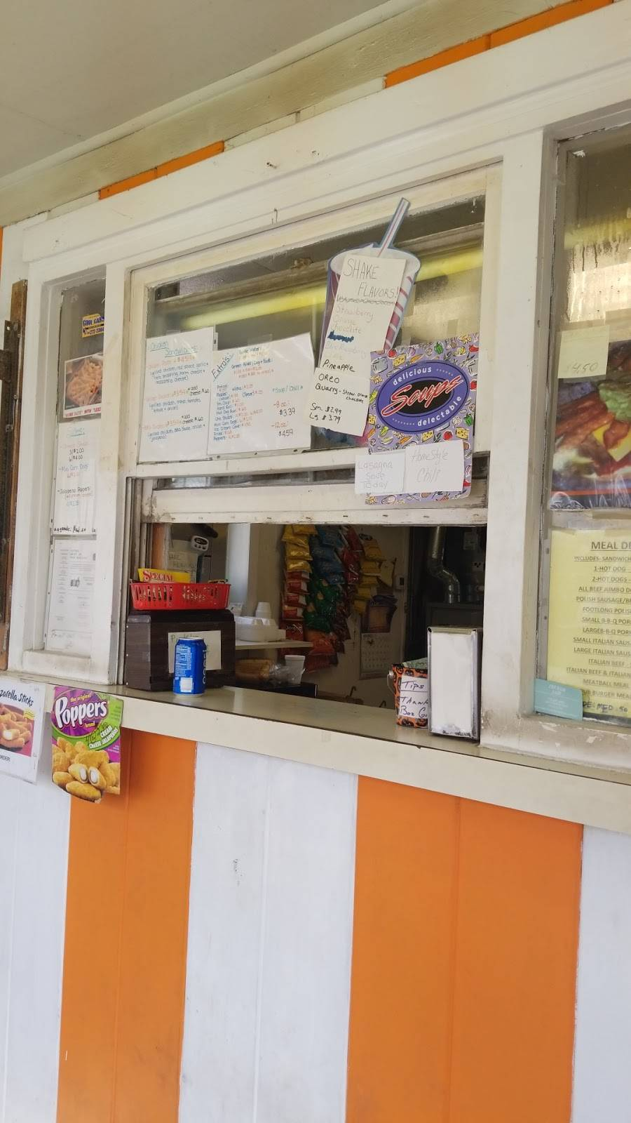 Boz Hot Dogs | meal takeaway | 201 S Williams St, Thornton, IL 60476, USA | 7088776262 OR +1 708-877-6262