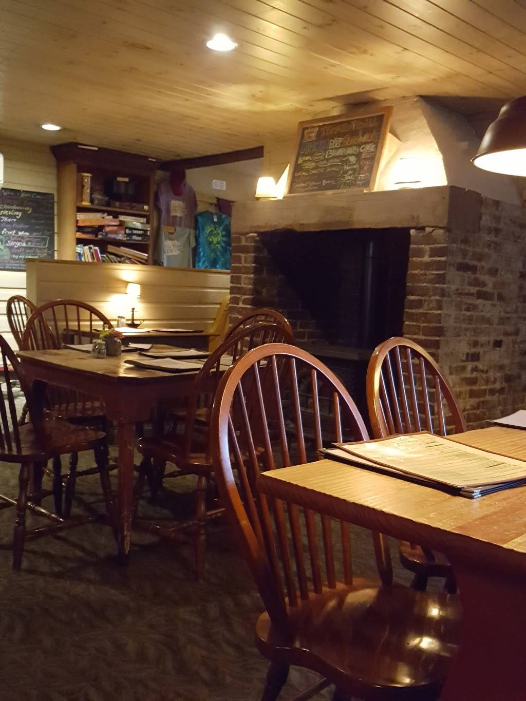 Selins Grove Brewing | restaurant | 121 N Market St, Selinsgrove, PA 17870, USA | 5703747308 OR +1 570-374-7308