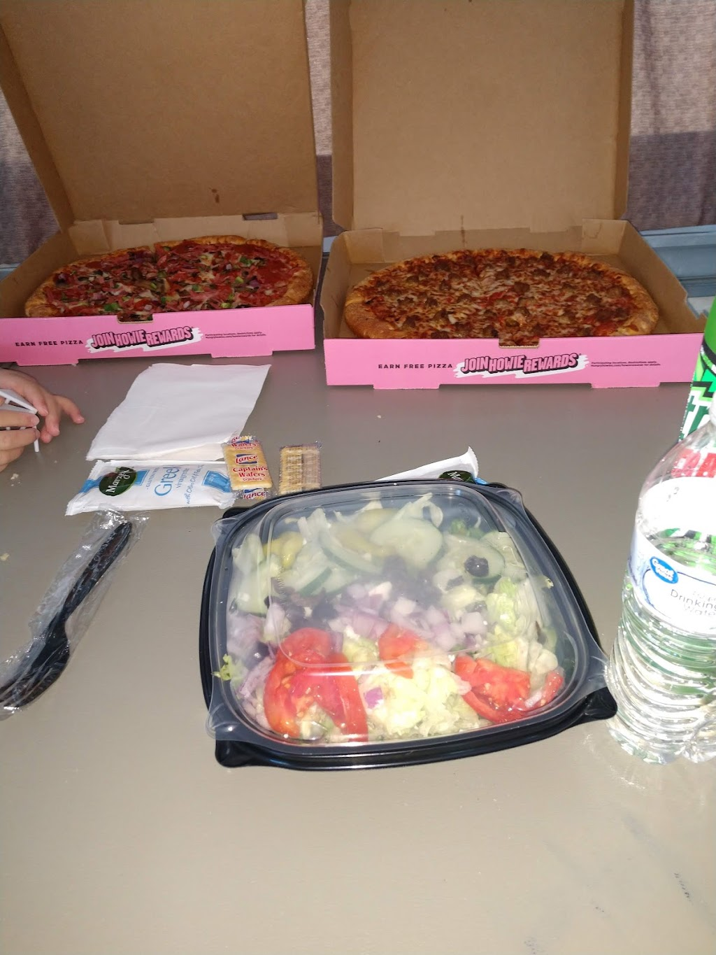 Hungry Howies Pizza | meal delivery | 8230 Navarre Pkwy, Navarre, FL 33566, USA | 8509396400 OR +1 850-939-6400
