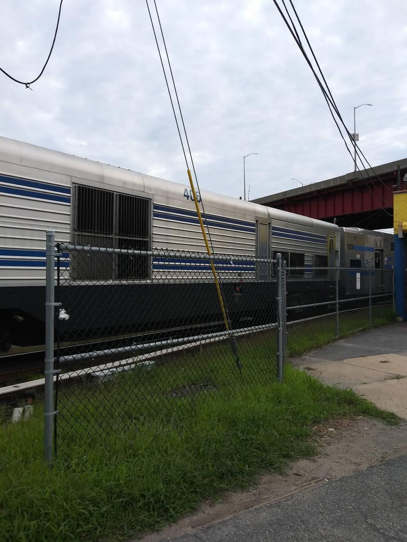 Estacion.de.tren | restaurant | 172-226 Huron St, Brooklyn, NY 11222, USA