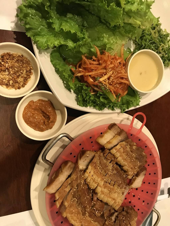 Kabuki Japanese Restaurant | restaurant | 2473 N Clark St, Chicago, IL 60614, USA | 7739752340 OR +1 773-975-2340