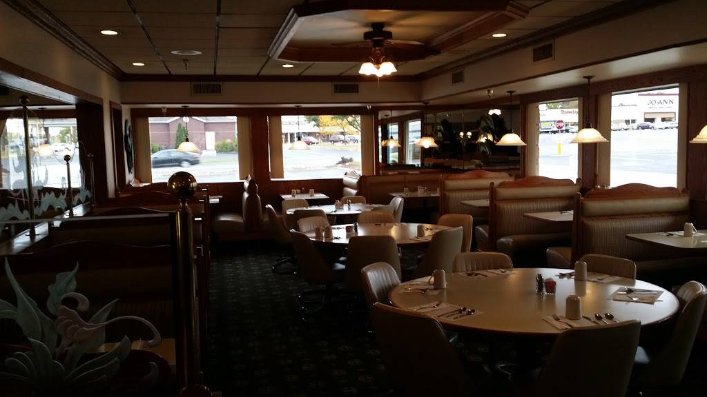 Family Restaurant | restaurant | 902 W Kimberly Rd, Davenport, IA 52806, USA | 5633861004 OR +1 563-386-1004
