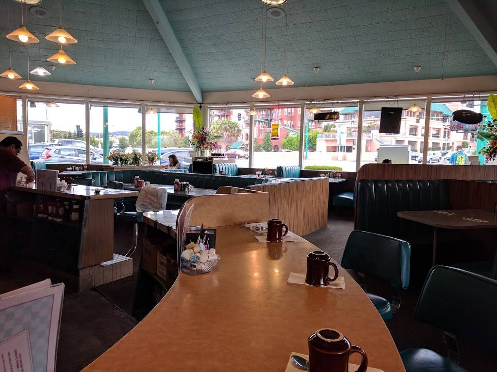 Peters Cafe   cafe   10 El Camino Real, Millbrae, CA 94030, USA   6506972434 OR +1 650-697-2434