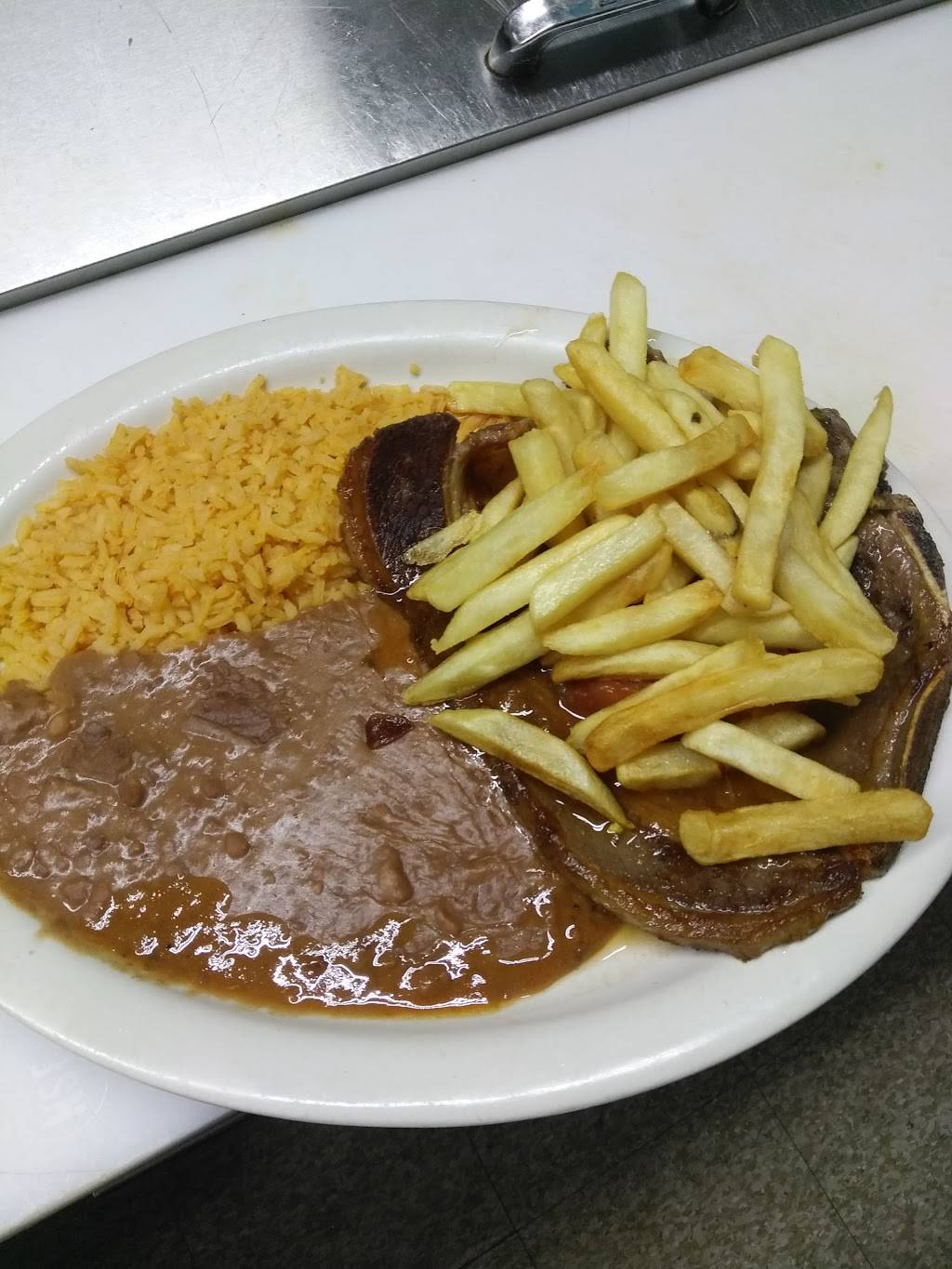 San Juan Mexican Restaurant   restaurant   14462 I-10 Frontage Rd, St Hedwig, TX 78152, USA   2106679260 OR +1 210-667-9260