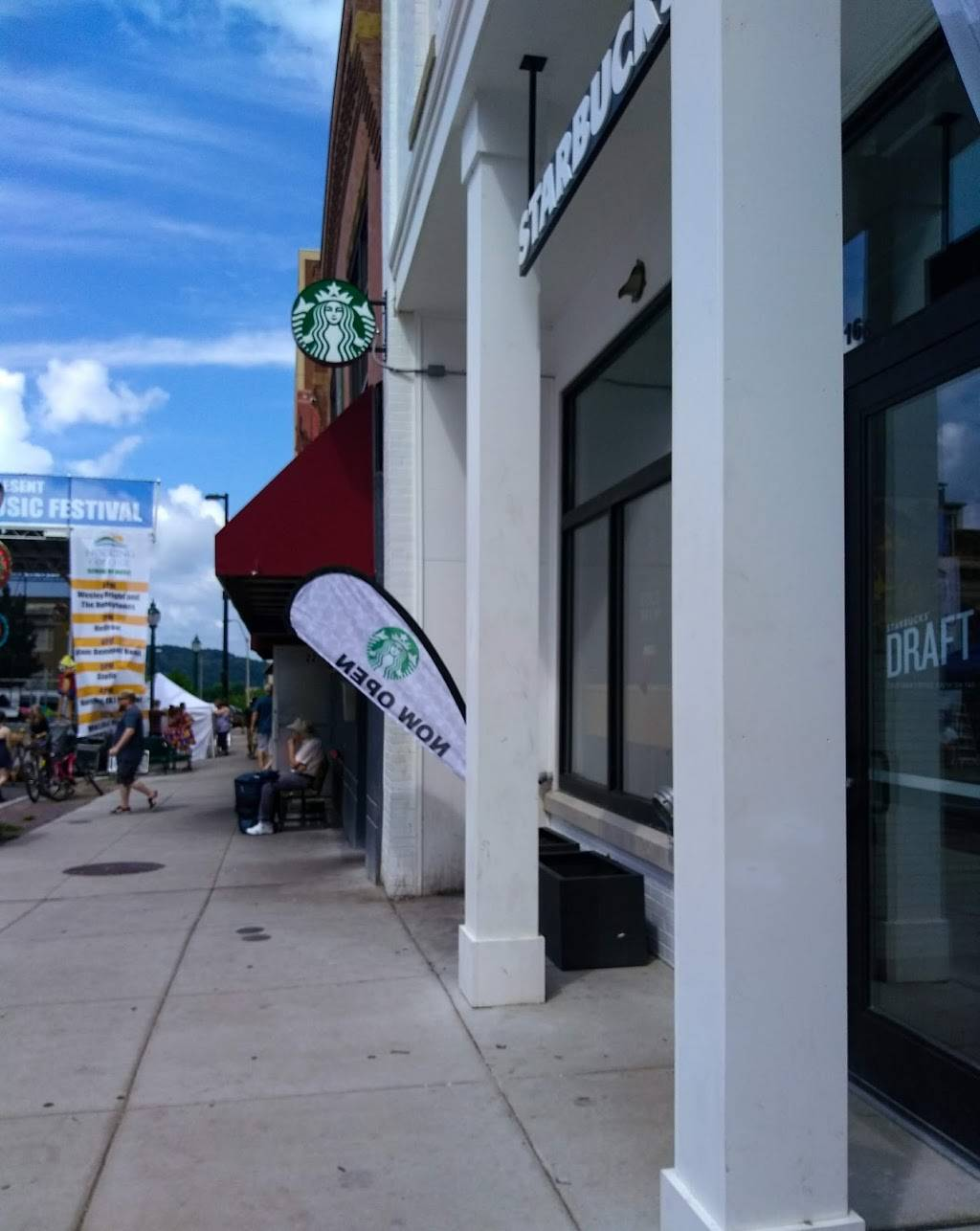 Starbucks   cafe   16 W Union St #101, Athens, OH 45701, USA   7405897095 OR +1 740-589-7095