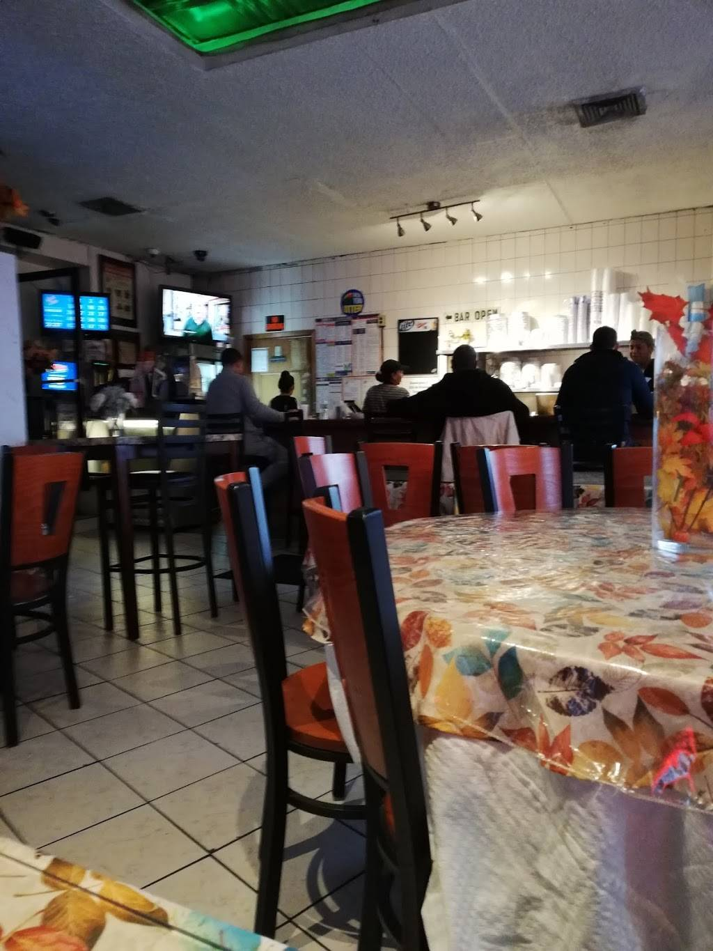 Fiesta Cafe and Bar | cafe | 4640 3rd Ave, Bronx, NY 10458, USA | 7187332211 OR +1 718-733-2211