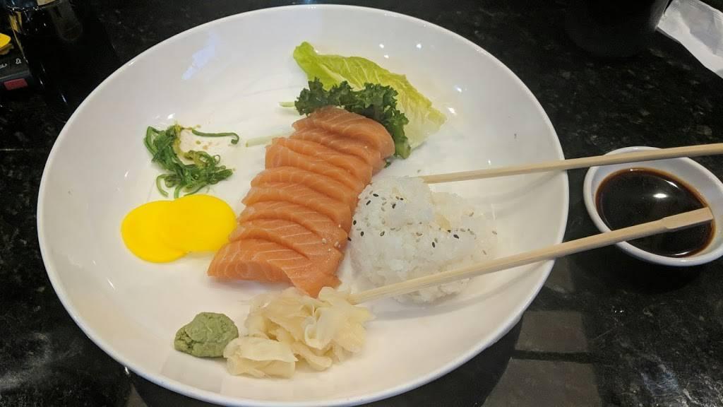 Mizuki Sushi | restaurant | 538 Commack Rd, Deer Park, NY 11729, USA | 6312421633 OR +1 631-242-1633