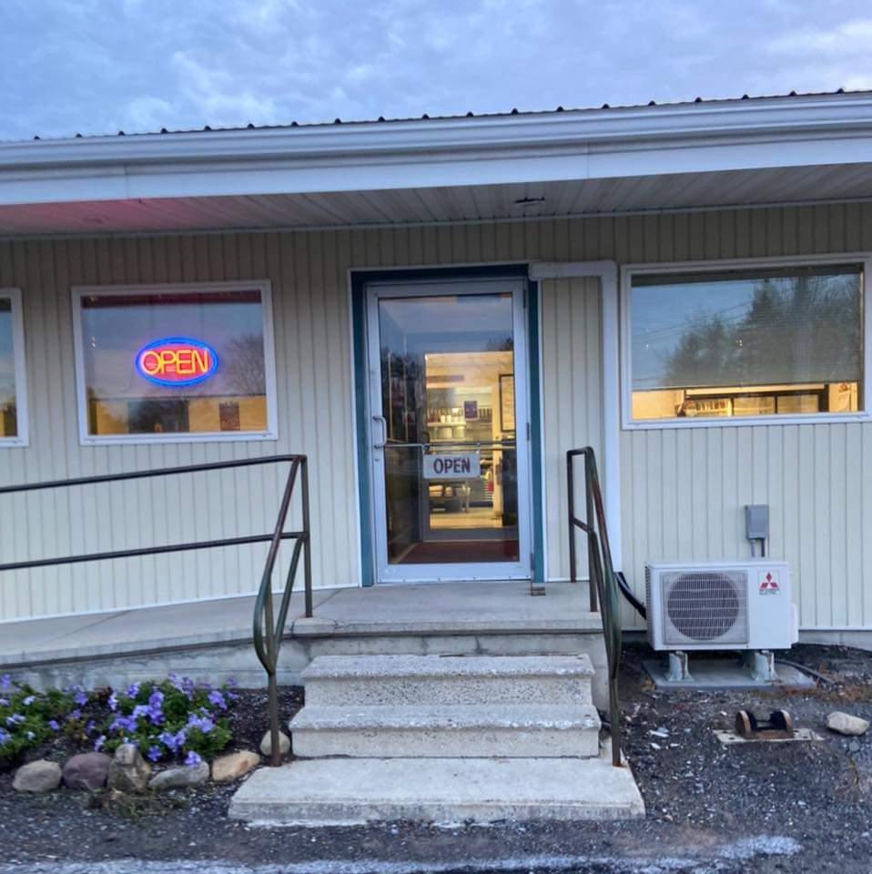 Trails End Restaurant | restaurant | 93 Main St, Penn Yan, NY 14527, USA | 3155369259 OR +1 315-536-9259