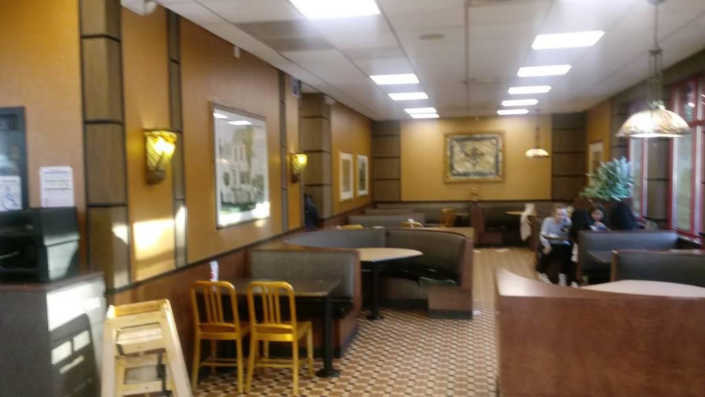 Arbys | restaurant | 69-16 Metropolitan Ave, Middle Village, NY 11379, USA | 7188940485 OR +1 718-894-0485