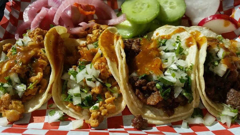TACAZOS | restaurant | 900 Long Beach Blvd, Long Beach, CA 90813, USA | 5627261236 OR +1 562-726-1236
