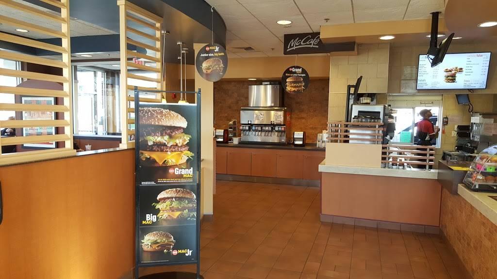 McDonalds | cafe | 6309 W Dempster St, Morton Grove, IL 60053, USA | 8479675540 OR +1 847-967-5540