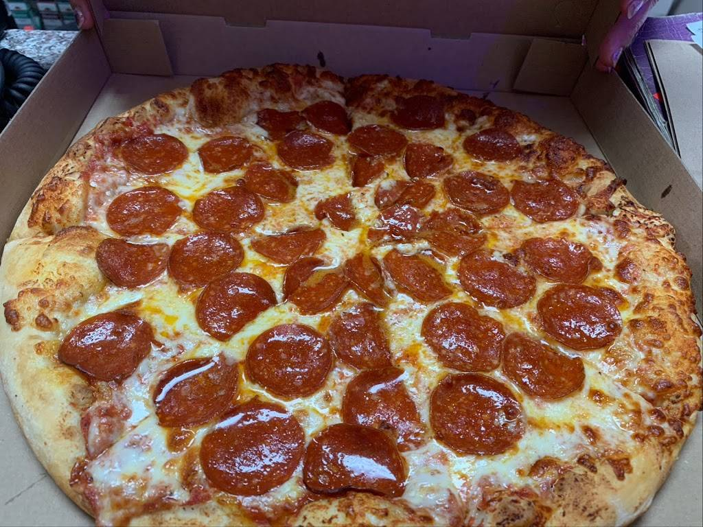 Marios Pizza   restaurant   Wendell, NC 27591, USA   9193747446 OR +1 919-374-7446