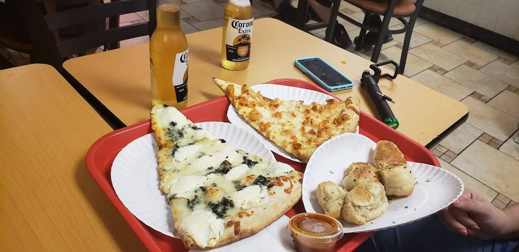Cheesy Pizza | restaurant | 5023, 2640 Broadway, New York, NY 10025, USA | 2126625223 OR +1 212-662-5223