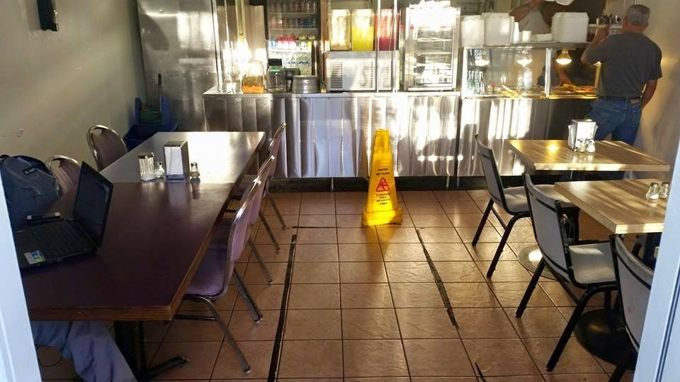 Granny S Kitchen Southern Style Soul Food Restaurant 5440 S Central Ave Los Angeles Ca 90011 Usa