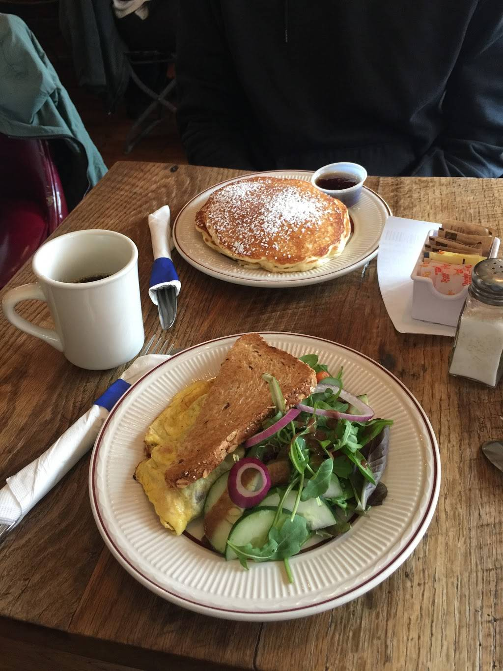 Mannys | cafe | 212 Patchen Ave, Brooklyn, NY 11233, USA | 7184839868 OR +1 718-483-9868