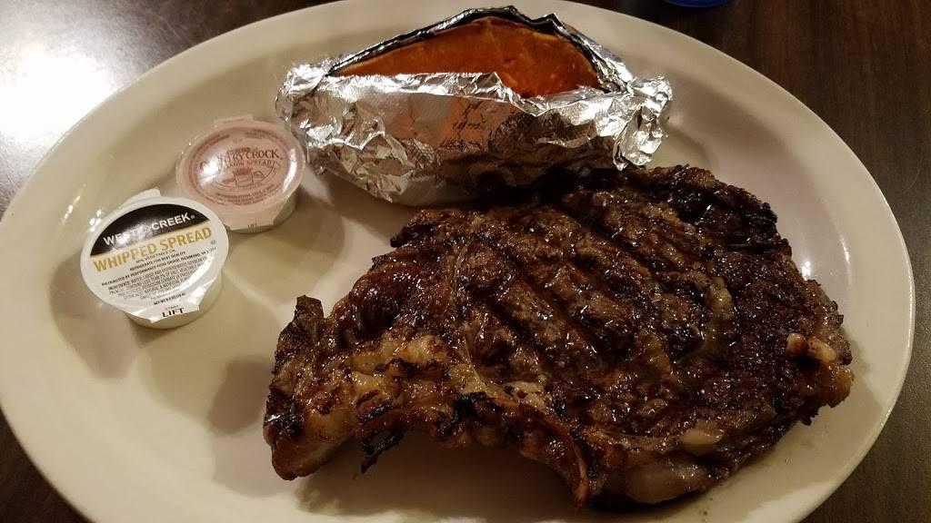 Barbara Deans Steakhouse | restaurant | 7460 Hatch Pkwy S, Baxley, GA 31513, USA | 9123660300 OR +1 912-366-0300