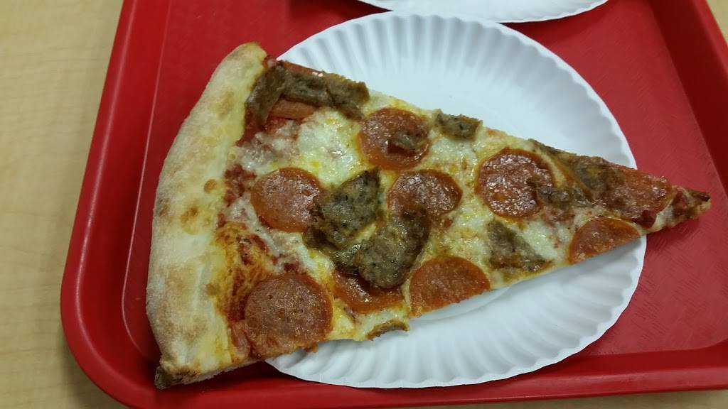 Famous Original Ray's Pizza | restaurant | 204 9th Ave, New York, NY 10011, USA | 2122431129 OR +1 212-243-1129
