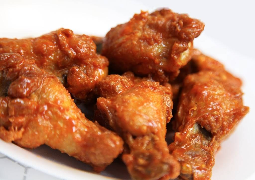 Atomic Wings | restaurant | 2090 Frederick Douglass Blvd, New York, NY 10026, USA | 2126662904 OR +1 212-666-2904