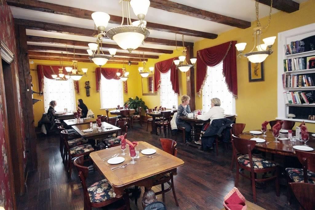 Vidyas Veggie Gourmet Restaurant | restaurant | 238 Barrie St, Thornton, ON L0L 2N0, Canada | 7054582000 OR +1 705-458-2000