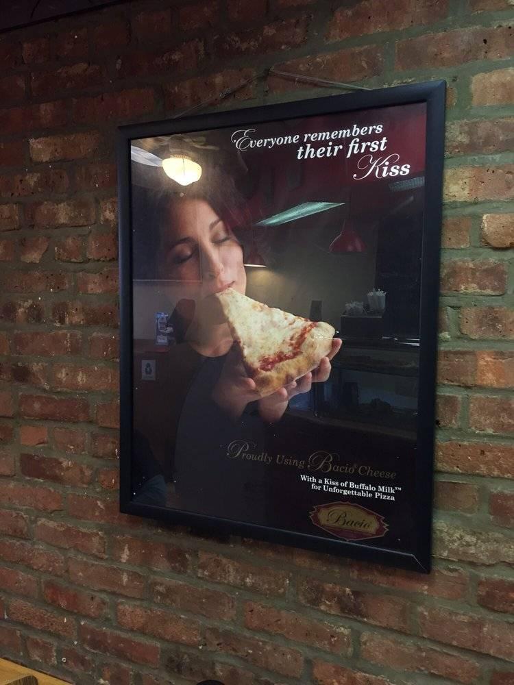 La Bruschetta Pizza | meal delivery | 256 7th Ave, Brooklyn, NY 11215, USA | 7184994994 OR +1 718-499-4994
