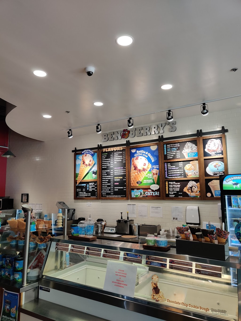 Ben & Jerry's   bakery   159 Temple St, New Haven, CT 06510, USA   2037124300 OR +1 203-712-4300