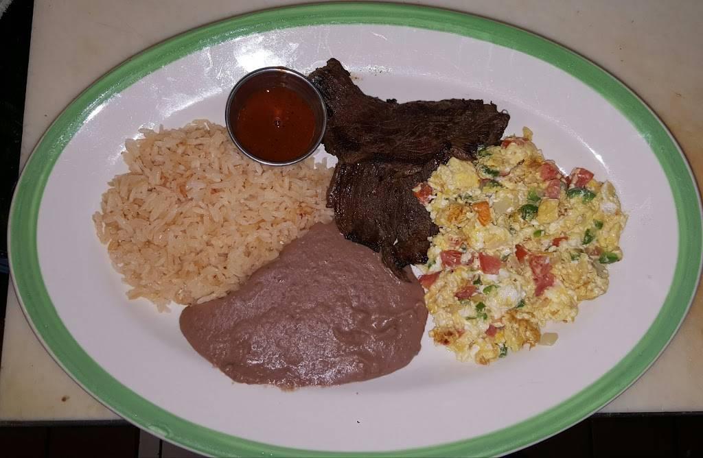 El Ranchito   restaurant   13231 Gladstone Ave, Sylmar, CA 91342, USA   8188338363 OR +1 818-833-8363