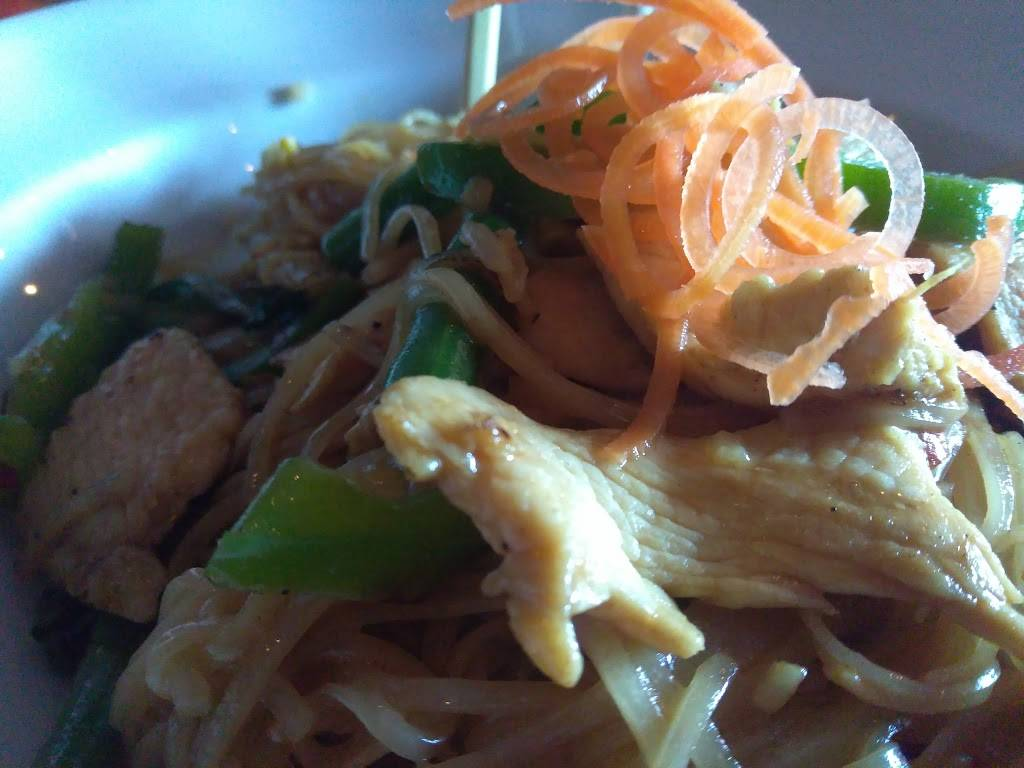 Hi Noodle Thai | restaurant | 333 Graham Ave, Brooklyn, NY 11211, USA | 7183888445 OR +1 718-388-8445