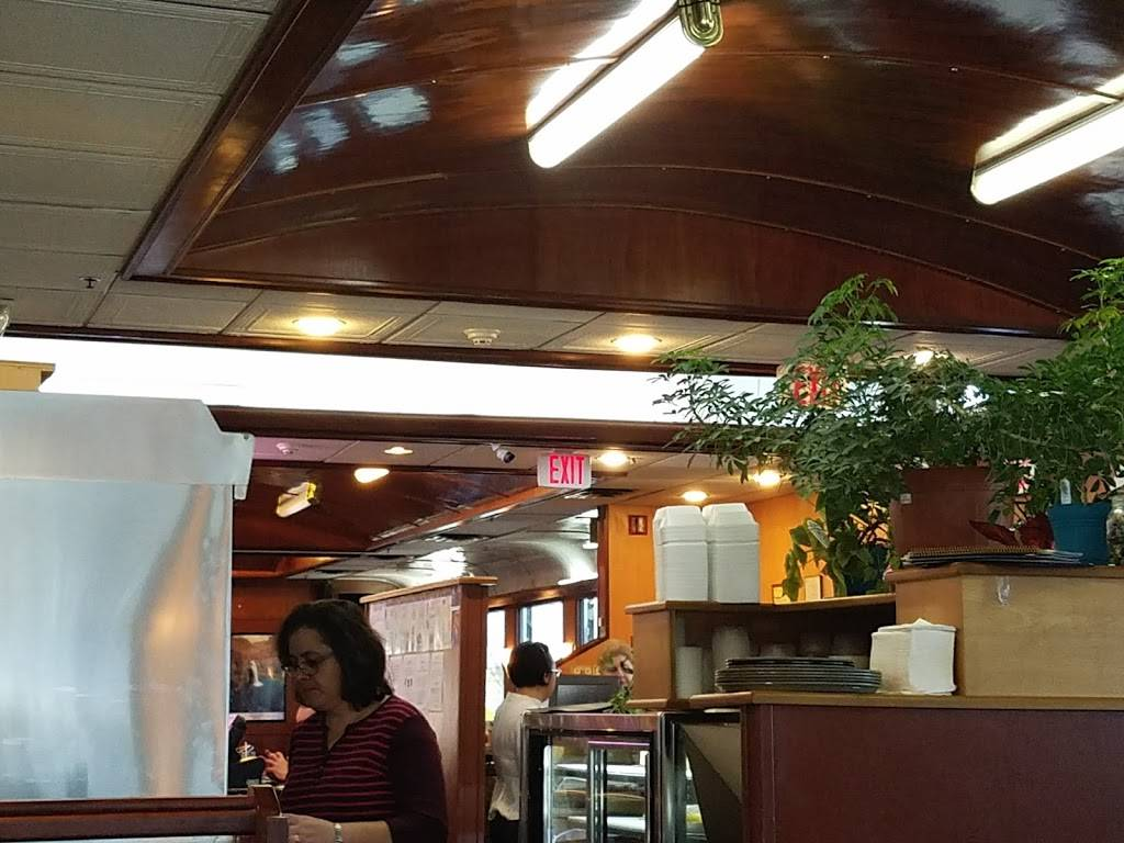 Ikaros Diner | restaurant | 909 Union Ave, New Windsor, NY 12553, USA | 8455672600 OR +1 845-567-2600