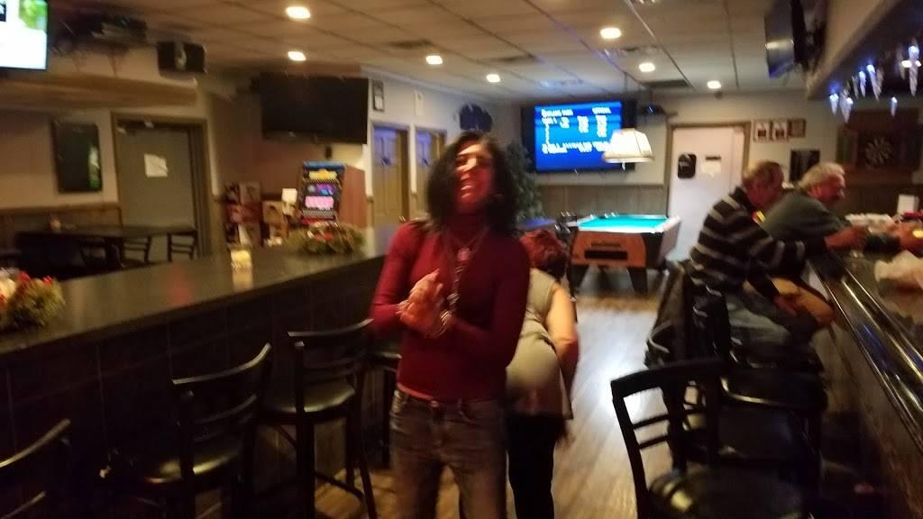 Canyon Of Heroes Bar & Grill | restaurant | 168 Montauk Hwy, Lindenhurst, NY 11757, USA | 6319917738 OR +1 631-991-7738