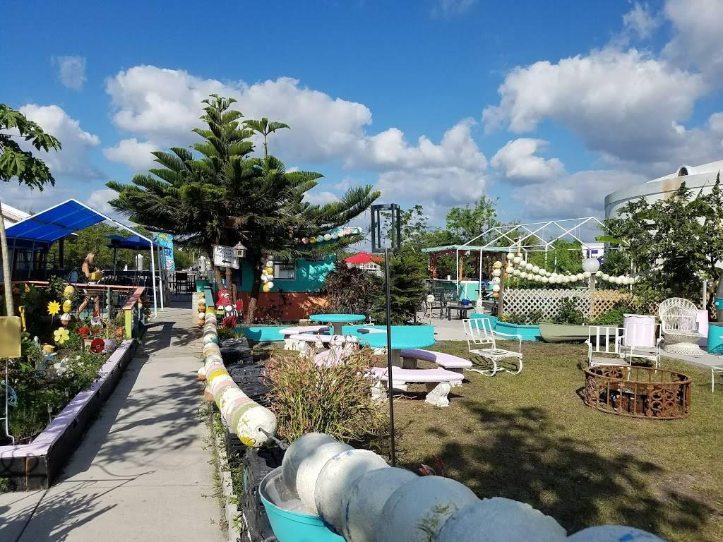 Camellia Street Grill | restaurant | 202 Camellia St W, Everglades City, FL 34139, USA | 2396952003 OR +1 239-695-2003