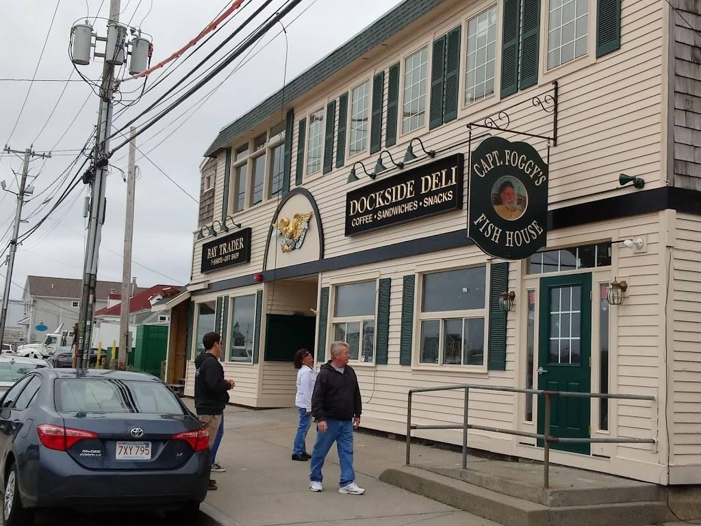 Capt. Foggys Restaurant   restaurant   294 Great Island Rd, Narragansett, RI 02882, USA   4013602388 OR +1 401-360-2388