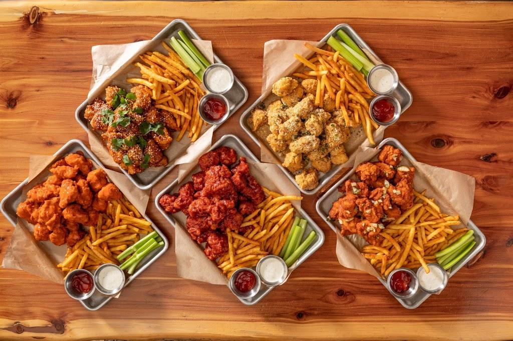 Twin Peaks | restaurant | 6401 N Andrews Ave, Fort Lauderdale, FL 33309, USA | 8888888888 OR +1 888-888-8888