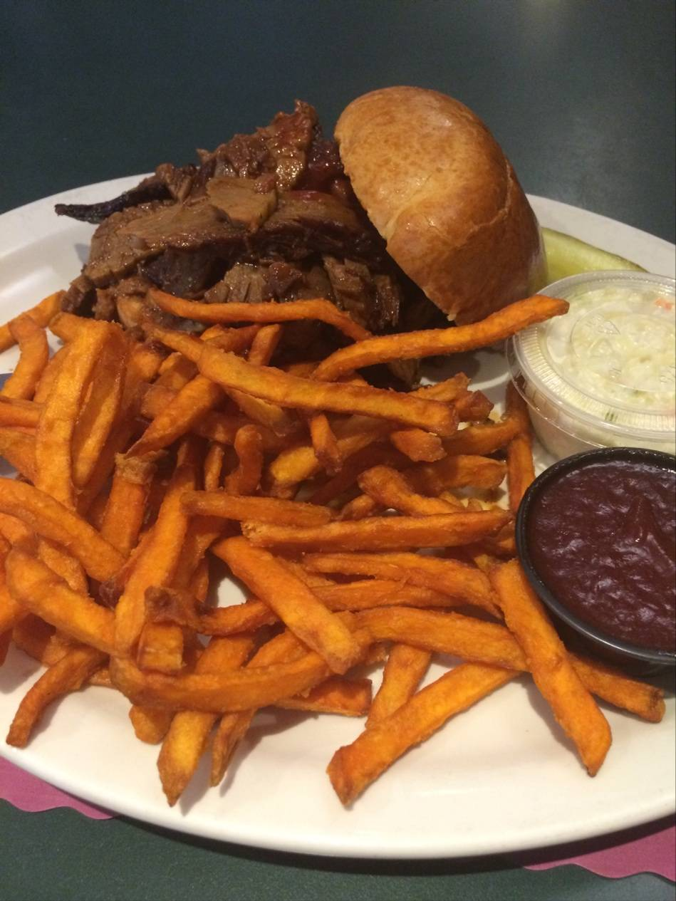 The BBQ Pit | restaurant | 589 Elm Pl, Highland Park, IL 60035, USA | 8474326393 OR +1 847-432-6393