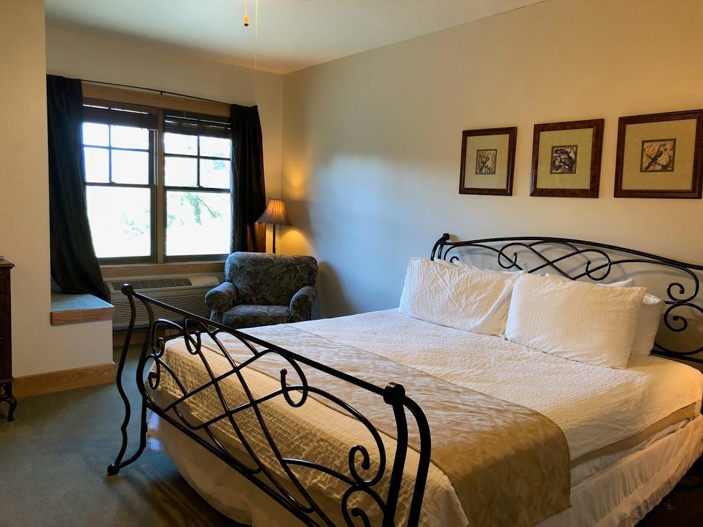 Nantahala Village | restaurant | 9400 US-19, Bryson City, NC 28713, USA | 8284889000 OR +1 828-488-9000