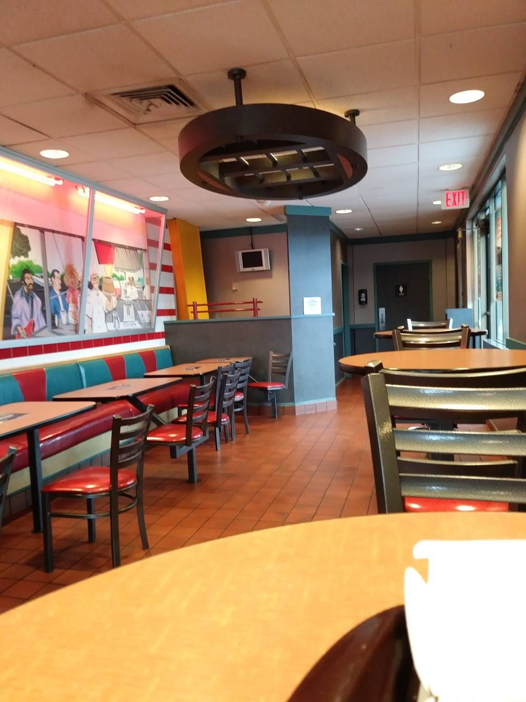 McDonalds | cafe | 2205 Middlebelt Rd, Garden City, MI 48135, USA | 7344253350 OR +1 734-425-3350