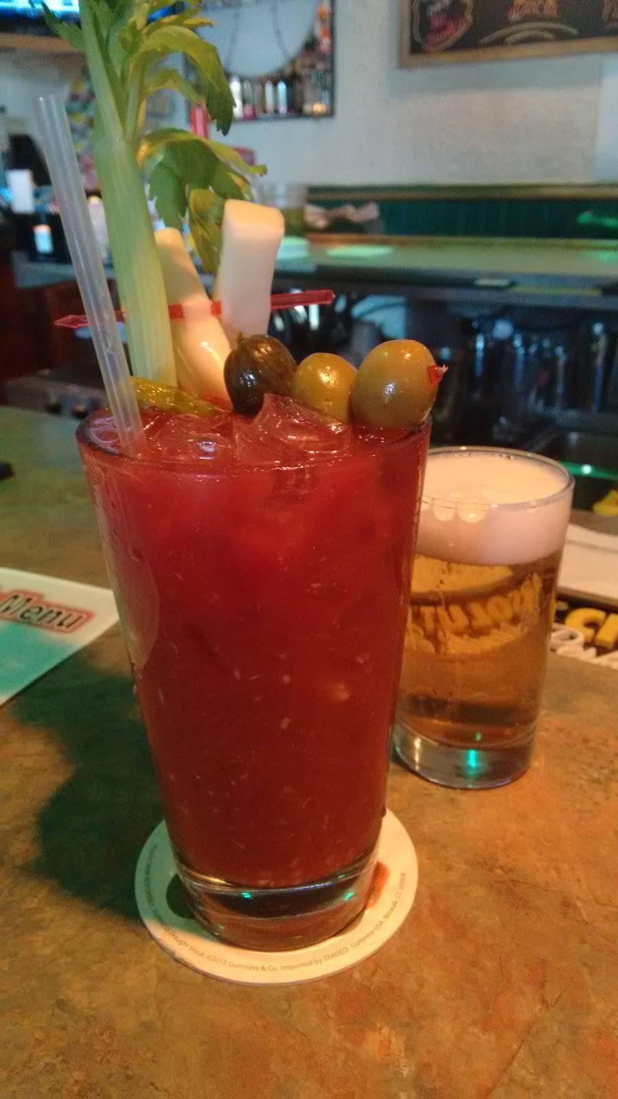 Skippys Burger Bar   night club   1603, 113 Green Bay Rd, Thiensville, WI 53092, USA   2625121240 OR +1 262-512-1240