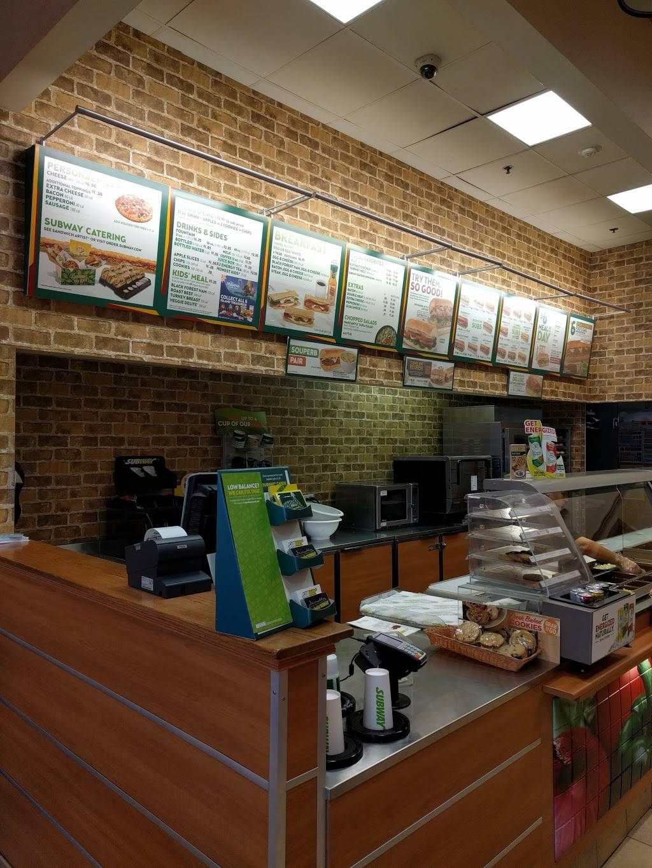 Subway Restaurants   restaurant   1630 Deerfield Rd, Highland Park, IL 60035, USA   8478313774 OR +1 847-831-3774